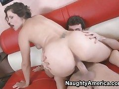 Bobbi Starr with succulent booty tries the brush hardest to